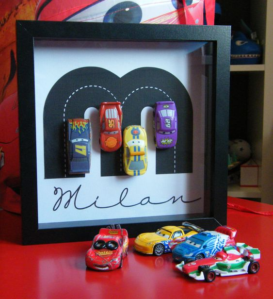Voitures noms and 3d on pinterest - Decoration chambre cars ...