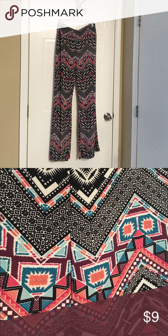 Palazzo pants WinWin sz l-xl Aztec print stretchy fit. WinWin Pants Ankle & Cropped