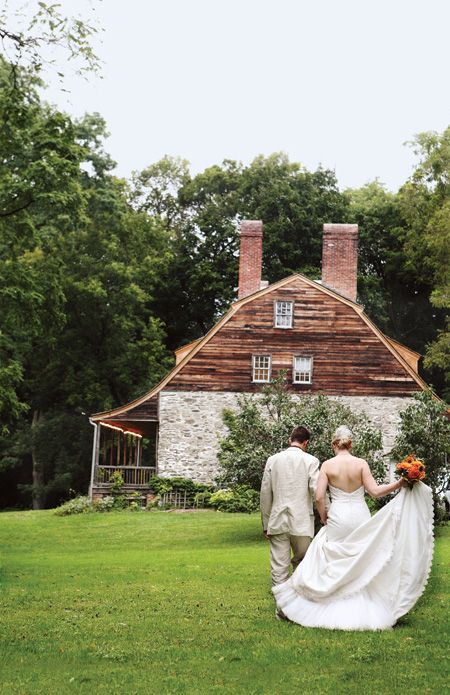 Click through to see the rest of this rustic fall #wedding! (Photo: Jose Reyes Photography)