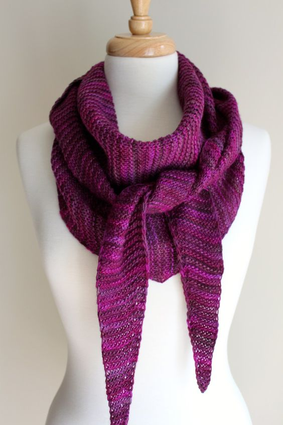 Free Knitting Patterns Scarves Pinterest : Free Knitting Patterns: Totally Triangular Scarf loving handmade Pinteres...