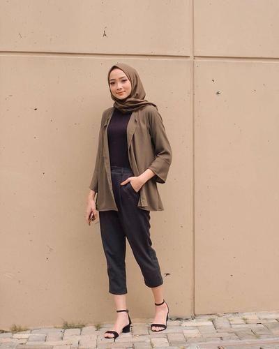 Warna Baju Yang Cocok Buat Kulit Sawo Matang