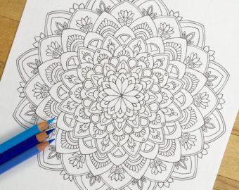 Mandala Rincón de utopía dibujado a mano colorante por MauindiArts