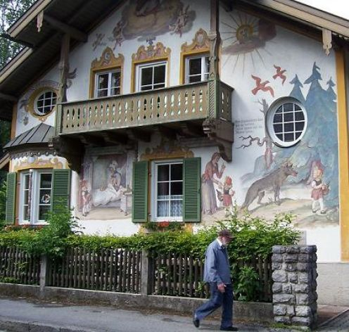 Bavarian Painted Houses-So beautiful! I will never forget this house in Oberammergau, Germany: