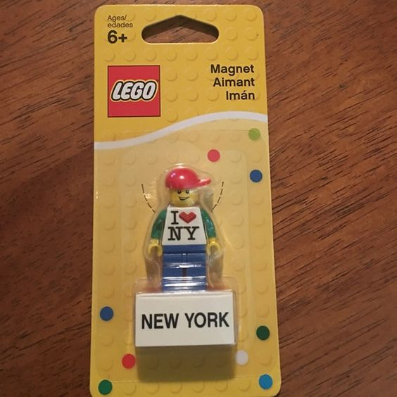 I love New York Magnet Man Brand Newunopened package 2011 Lego Magnet Lego Man Red Hat I love NY New York #853317 ‼️Collectors‼️(Purchased in NY at The Lego Store) lego Accessories