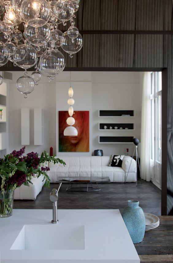 Elegant Remmelt Showroom in Amsterdam Hosted by a Monumental Building