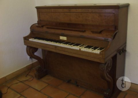 Donne Piano Pleyel A Les Angles Gard Occitanie Mobilier Mo301584166592 En 2020 Piano Pleyel Piano Angles