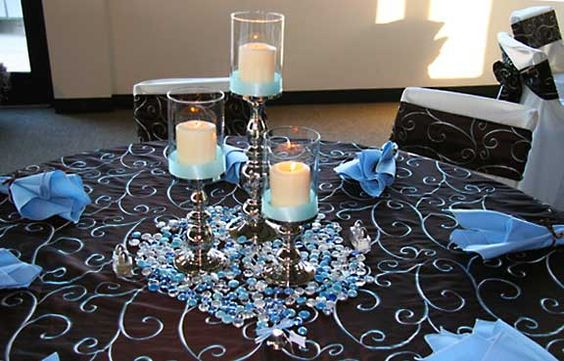 Wedding colors and centerpiece