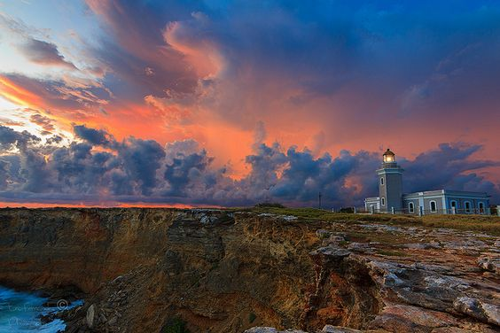 Fire @ Lighthouse by Eric E. Fernández, via Flickr