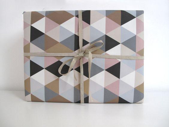 ♥Geschenkpapier Dreiecke♥ 50x70cm von ava&yves auf DaWanda.com