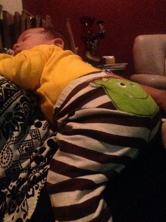 Durmiendo encima de la abuelita