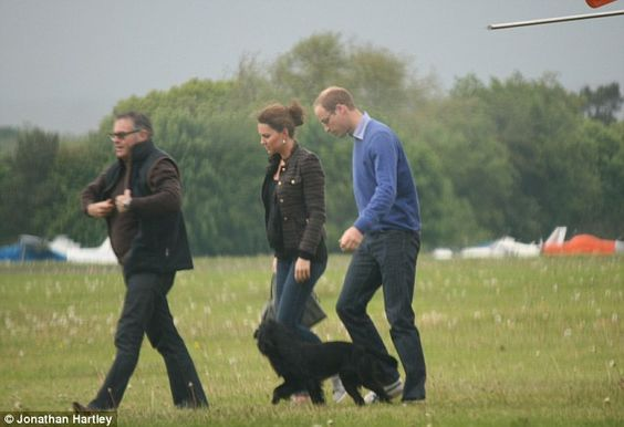 Kate Middleton and William catch a ride