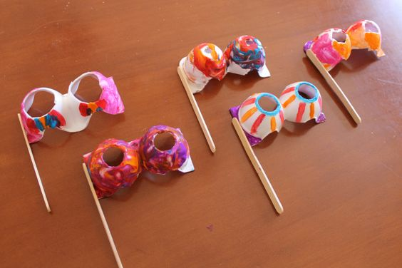 masks made out of egg cartons! #crafts #DIY
