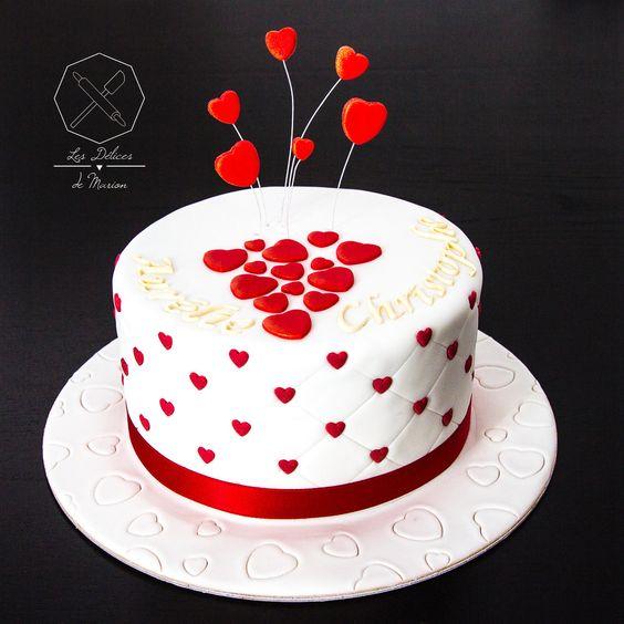 cake design g teau de fian ailles personnalis en p te sucre sur le th me amour coeurs. Black Bedroom Furniture Sets. Home Design Ideas