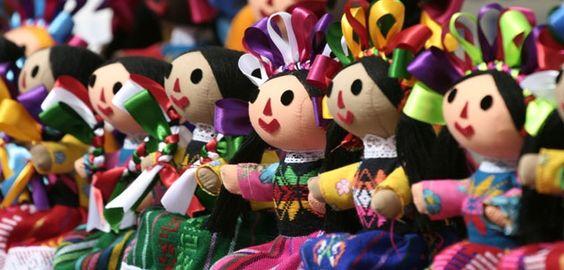 """Al rescate del juguete mexicanoLa muñeca mexicana fue la alegría de miles de niñas mucho antes que la """"Barbie"""". #Mexico Mexican doll"""