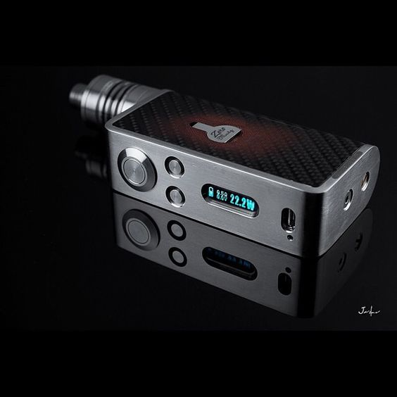 The 50W Zero clone by Cigreen http://www.ecigguide.com/review/zero-50w-box-mod-clone full review  Photo by @jaspercruz #boxmod #modporn #IWantThis #NeedThisInMyLife