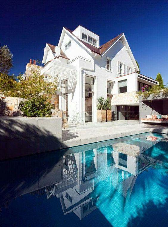 702 Hollywood: Beautiful Homes