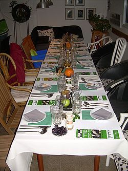 Tu B'Shevat Seder Table