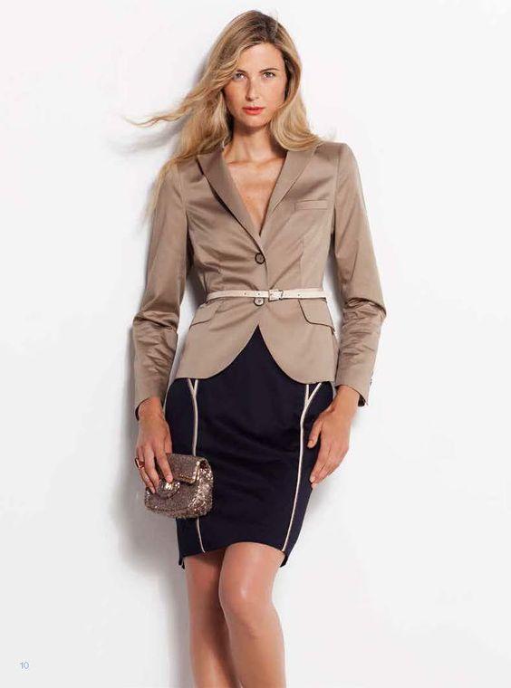 Por fín!, la americana que todas buscamos para nuestro fondo de armario…   Finally! The essential jacket to complement your entire wardrobe.