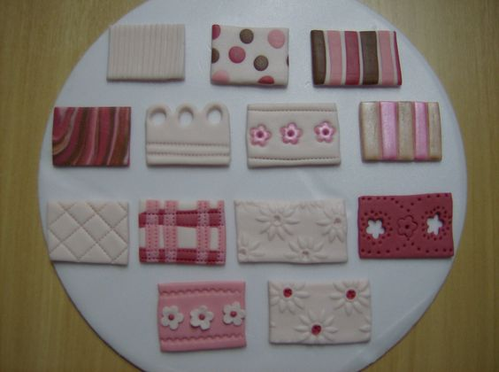 Padrões para decorar bolos.  Cake decorating patterns.  www.facebook.com/carlamachado.com.br
