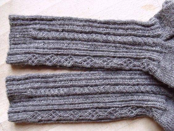 Trachtensocken aus Regia Sockenwolle.