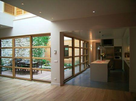 Un loft en bois avec un joli patio et un jardin dans l esprit zen en id - Idee deco maison interieur ...