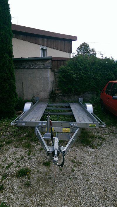 Location Remorque Porte Voiture - 1300 Kg   PLACE de la LOC. Remorque porte voiture à louer exclusivement sur www.placedelaloc.com !