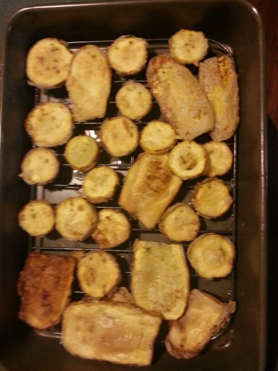 Never put your fried squash on paper towels. Put them on cookie coolers or broiling racks. Keeps them from getting soggy.
