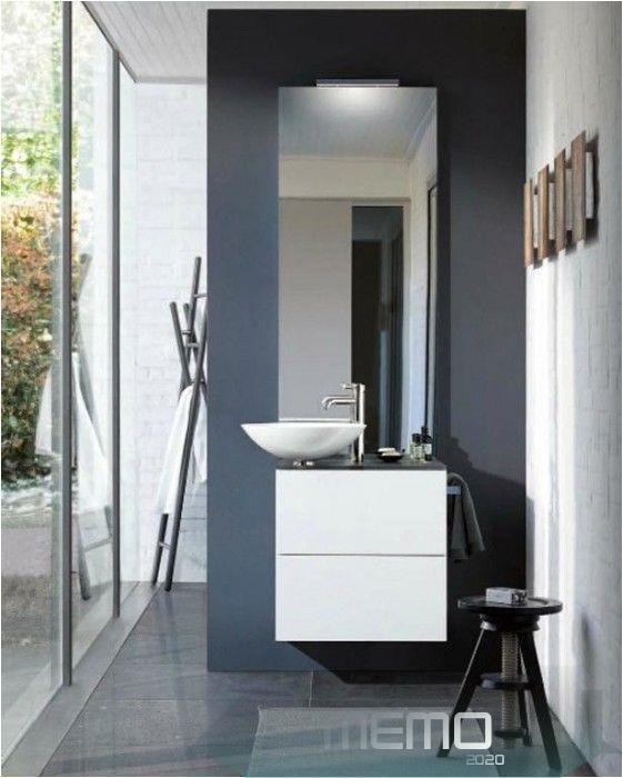 15 01 2020 Fliesen Grau Glanzend Badezimmer Fliesen Holzoptik Grau Stilvolle Badezimmer Ideen In 2020 Bathroom Mirror Lighted Bathroom Mirror Bathroom