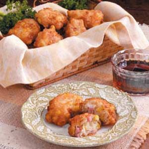 Corn 'n' Ham Fritters Recipe. I might try it with cornbread instead of biscuit, also might add some cheese.
