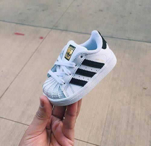 Imagen de adidas and baby   Cute baby shoes, Baby girl shoes, Boy ...