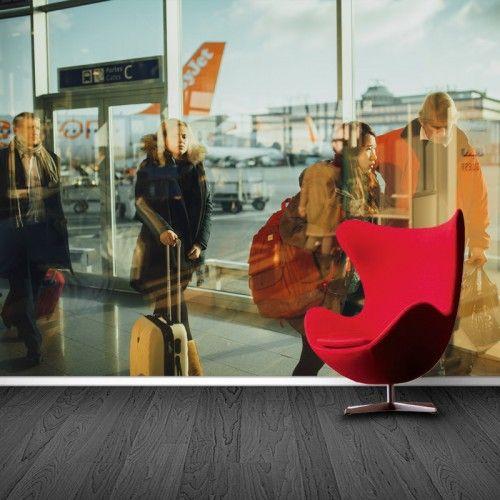 Fotobehang Terminal 1 | Maak het jezelf eenvoudig en bestel fotobehang voorzien van een lijmlaag bij YouPri om zo gemakkelijk jouw woonruimte een nieuwe stijl te geven. Voor het behangen heb je alleen water nodig!   #behang #fotobehang #print #opdruk #afbeelding #diy #behangen #vliegveld #reizigers