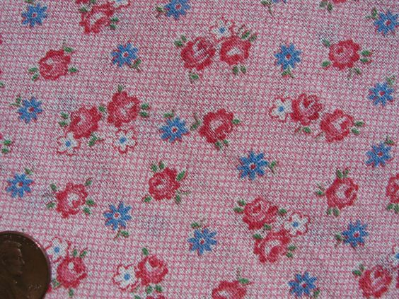 One VINTAGE FEEDSACK * TINY PINK & BLUE FLOWERS on CRISSCROSS PINK  PRISTINE!