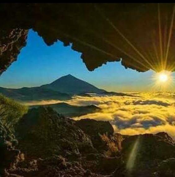 Tenerife Teide y mar de nubes al atardecer