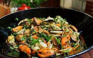 Fettuccine com marisco ao molho de salsa verde: receita de Olivier Anquier - Receitas - GNT