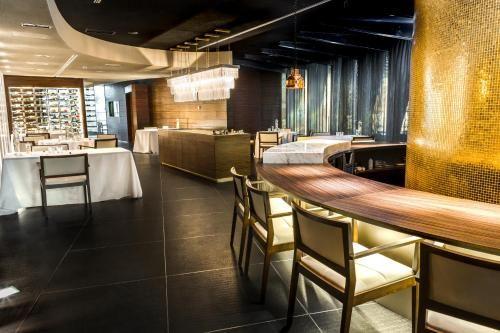 Image Result For Cebo Restaurant Restaurant Conference Room Table
