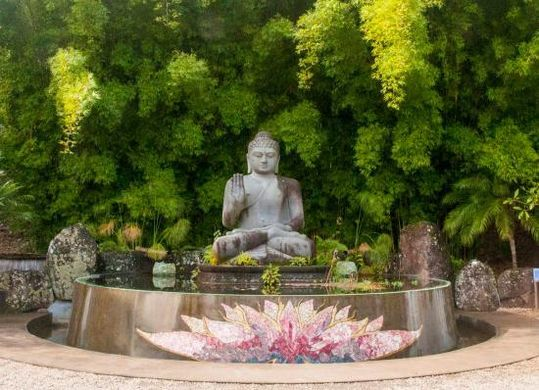 The Blessing Buddha Crystal Castle And Shambhala Gardens In Austrailia Crystal Castle Byron Bay Tourist Attraction