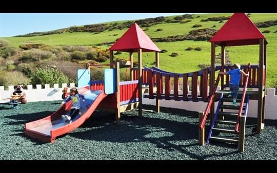 Hasil gambar untuk rebound green rubber chippings at woolacombe sands holiday park