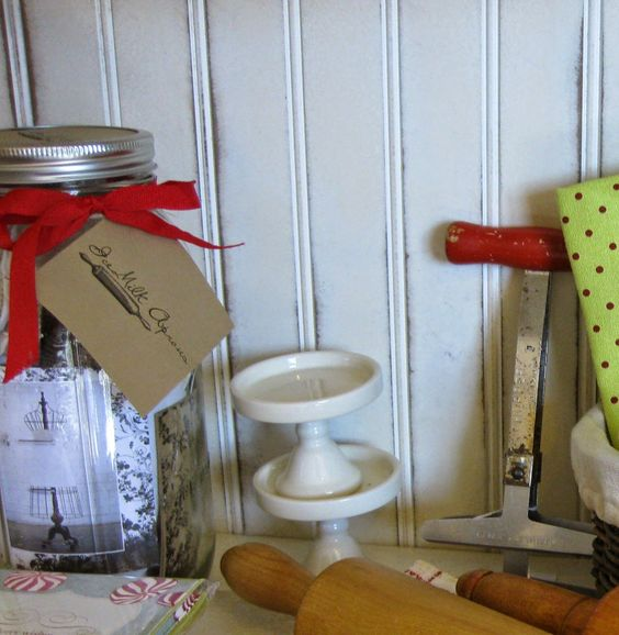 the Olive Basket: Ice Milk Aprons