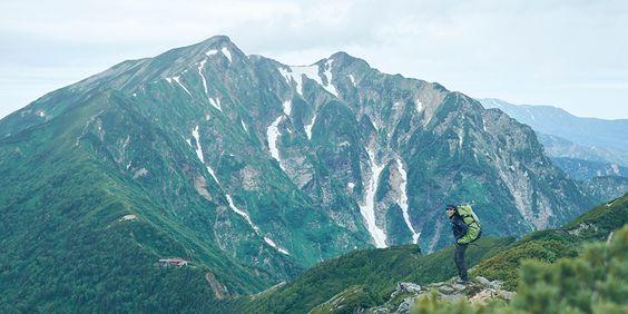 飛騨山脈、後立山連峰のひとつとして知られる爺ヶ岳(2670m)。日本三百名山、新日本百名山にも名を連ね、夏山シー…