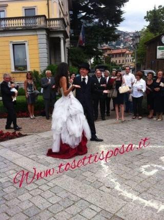 A grande richiesta..ecco gli abiti rossi...direttamente dalle nostre spose.... www.tosettisposa.it #abitidasposa2015 #wedding #weddingdress #tosetti #abitidasposo #abitidacerimonia #abiti #tosettisposa #nozze #bride #modasottoleate lle #alessandrotosetti #domoadami #nicole #pronovias #alessandrarinaudo# realtime #l'abitodeisogni #simonemarulli #aireinbarcellona #rosaclara'#airebarcellona # زواج #брак #فساتين زفاف #Свадебное платье #حفل زفاف في إيطاليا #Свадьба в Италии