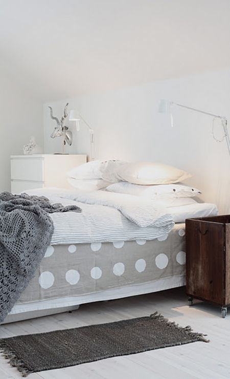 bed skirt via caisak -- photo by daniella witte.  @Susan Seward -- another use for our painter's drop-cloths!