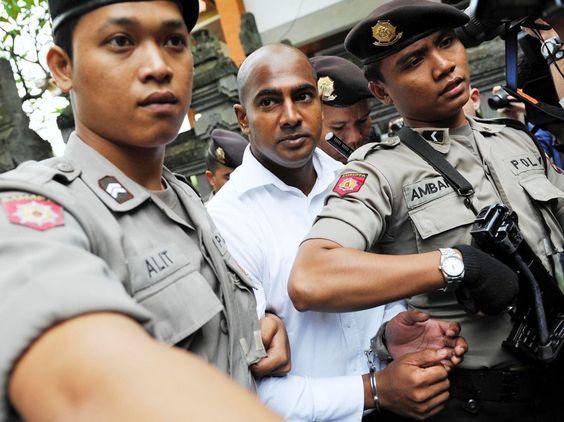 Myuran Sukumaran auf dem Weg zu einer Verhandlung 2010. Der ehemalige Drogenschmuggler hat im Gefängnis ein neues Leben begonnen. Seine Wärter preisen ihn als Musterhäftling.