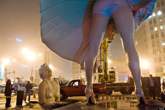 Marilyn Monroe Statue Leaves Chicago: Crews Dismantle Controversial Piece (PHOTOS, VIDEO) - via http://bit.ly/epinner