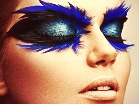 Dramatic blue feathered eye #makeup #avantgarde