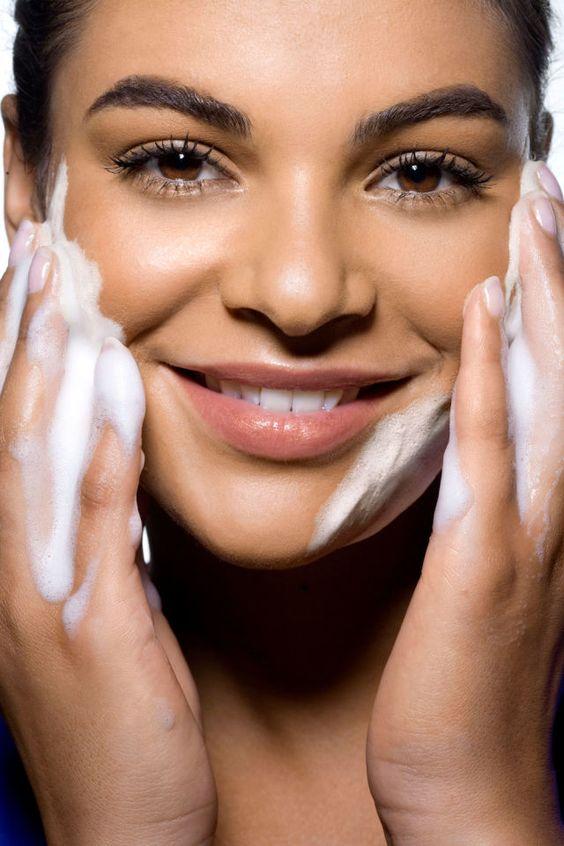 روش صحیح شستشوی پوست-خانومی