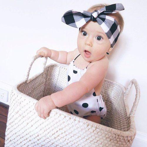 Imagen vía We Heart It https://weheartit.com/entry/167528231 #adorable #baby #babygirl #cute #fashion #girl #kids #littlegirl #polkadots #surprise