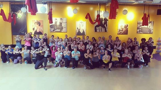 Holy moly Minnesota! You guys know how to bring the  Thanks for such an incredible weekend!  #Repost @shahilbollyx  #minneapolisgoesbollywood #studiotimeout  #bollyx #bollywood #bhangra #dance #family #unity #swag #fitfam #fitness #health #wellness #dogood #workhardplayhard #startuplife #grind #blackandyellow #weekend #bollywoodworkout