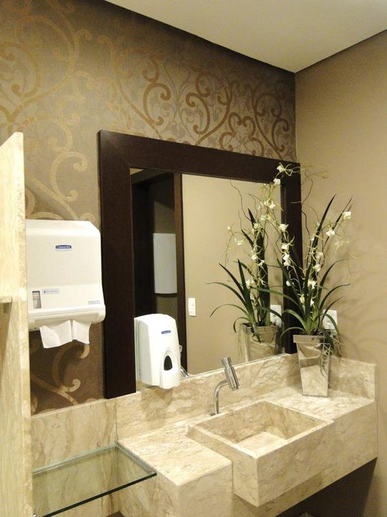 Banheiro Marfim com papel de parede lind?simo dourado Luxury ...