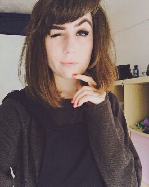 Hairstyles For Short Hair Dodie : Explore Dodie Aka, Evan Dodie, and more!