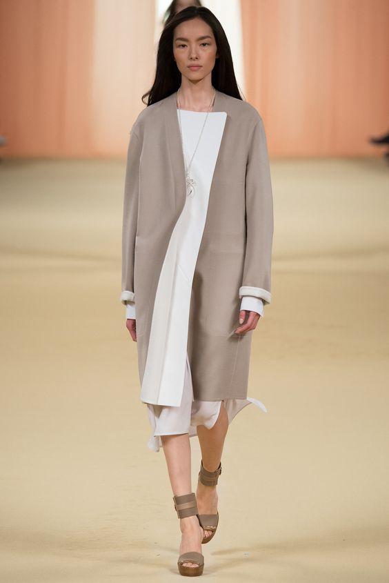 Leichte Mäntel als Alternative zum Blazer. Hermès, Frühling 2015